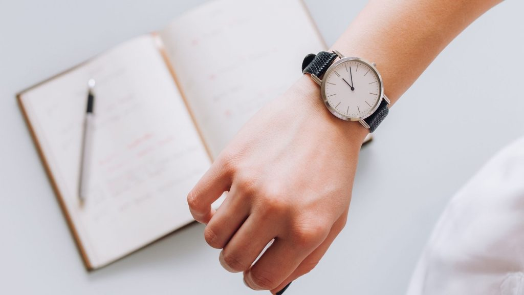 stick to your agenda to manage time at meetings well